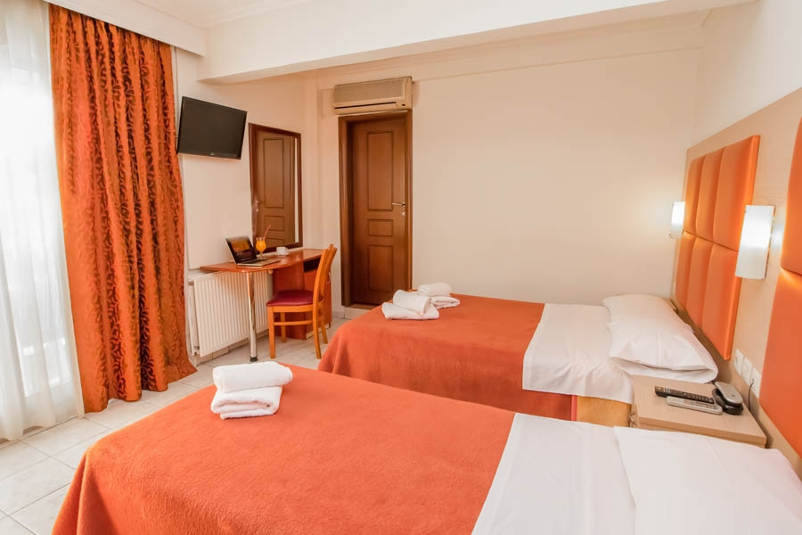 Family Rooms, Avra hotel: Perea hotels Thessaloniki airport beach